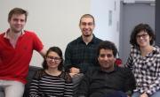 L'équipe de Data Genius compte deux salariés et trois stagiaires.