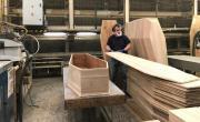 Fabrication d'un cercueil à Reyrieux, brefeco.com