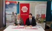 Elizabeth Ayrault et Nicolas Daragon ont signé une convention de cinq ans.