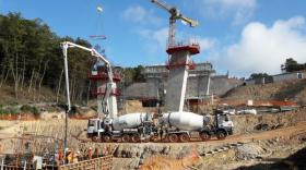Un pont de 200 m de long et 24 m de haut est en construction sur la liaison A89/A6