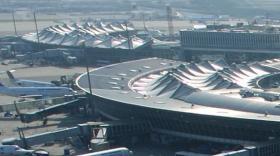 Aéroport Lyon-Saint Exupéry.