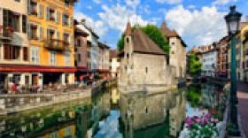 Annecy : six communes votent pour la fusion