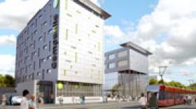 Cardinal livre un hôtel Campanile à Clermont-Ferrand