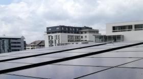Créée début 2019, la coopérative exploite, depuis mai 2019, la centrale photovoltaïque implantée sur le toit du CAUE74.