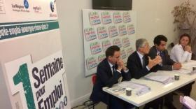 De gauche à droite : Daniel Dias, délégué régional de l'Agefiph, Henri-Michel Comet, préfet du Rhône, Pascal Blain, directeur régional Pôle Emploi Auvergne-Rhône-Alpes, Sophie Cruz, conseillère régionale.