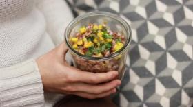 Certains plats sont servies dans des bocaux réutilisables et consignés