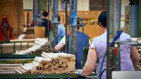 Combelle : le fabricant de chaises de bébé en bois bientôt fixé sur son sort
