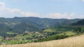 La projet éolien du Beaujolais Vert est situé à Valsonne, dans la communauté d'agglomération de l'ouest rhodanien.