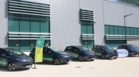 Schneider Electric investit dans l'autopartage de véhicules électriques