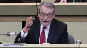 Gérard Dériot, en session publique du Conseil départemental de l'Allier