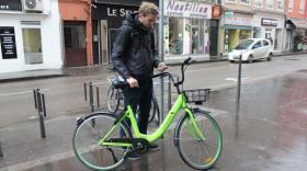 Les utilisateurs de Gobee.bike doivent utiliser l'application pour trouver un vélo disponible autour d'eux.