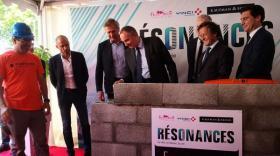 Michel Le Faou, Vice président de la Métropole de Lyon délégué à l'urbanisme a posé la première pierre de Résonances
