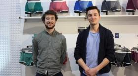 Romain Robert et Antoine Serouille dans leur boutique du Village des Créateurs