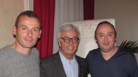 Michel Dinh, entouré de Stéphane et de Laurent Abitbol, brefeco.com