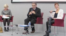 Anne-Marie Comparini, présidente du Conseil de Développement, David Kimefeld, vice-président en charge du développement économique, et Sandrine Frih, vice-présidente de la politique de concertation et de la participation citoyenne, à la Métropole de Lyon