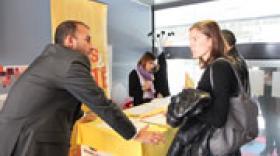 """Le """"Jobs & Cité Stadium Tour 2014®"""" s'arrête au Stade de Gerland"""
