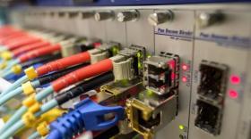 Free pourra commercialiser ses offres fibres sur le réseau du SIEA
