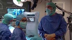 """Chirurgies """"naviguées"""" de prothèse d'épaule."""