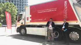 Renault Trucks et la Métropole de Lyon inaugurent un véhicule de collecte des déchets 100% électrique
