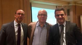 Au centre, Pascal Voulton, président de Sofimac IM, entouré des deux directeurs généraux de Sofimac Innovation : François Miceli (à gauche) et Jean-Philippe Zoghbi.