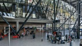 terminal 1  Aéroport Lyon-Saint Exupéry  -  bref eco
