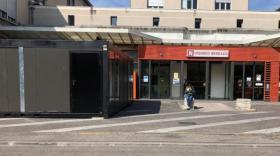 Solidarité : Kyubix prête ses constructions modulaires à la Croix Rouge et aux HCL