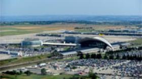 La privatisation de l'aéroport Saint Exupéry en question