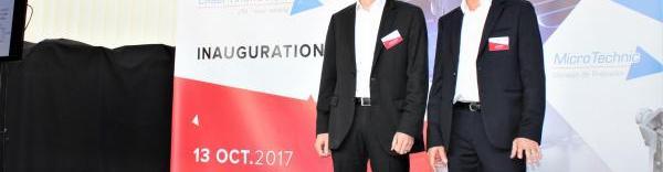 Sébastien Lafaye, directeur de l'usine  Laser Rhône-Alpes, et Lucio Maggio, dirigeant de Micro Partner.