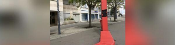 Le banc Eclosia du designer Christian Ghion et la colonne Solar Stick, brefeco.com
