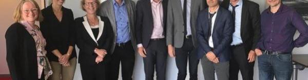 Laetitia Roux (Pulsalys), Félicie Pfeffer (Pulsalys), Sophie Jullian (Pulsalys), Christophe Miller (Théa), Fabrice Mercier (Théa), Colin Francou (Théa), Stéphane Riou (Université Jean Monnet), Philippe Gain (BiiGC) et Jean-Luc Chavand (Université Jean Monnet)