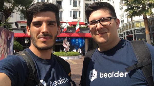 Benjamin Durand (à gauche) et Julien Edouard viennent de revendre Bealder à Smart Traffik.