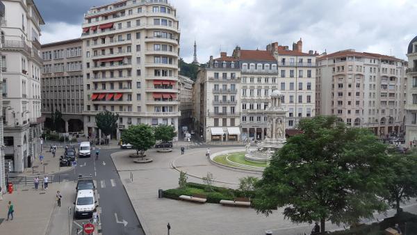 place des jacobins, brefeco.com