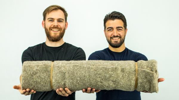 Capillum recycle les cheveux en tapis de paillage