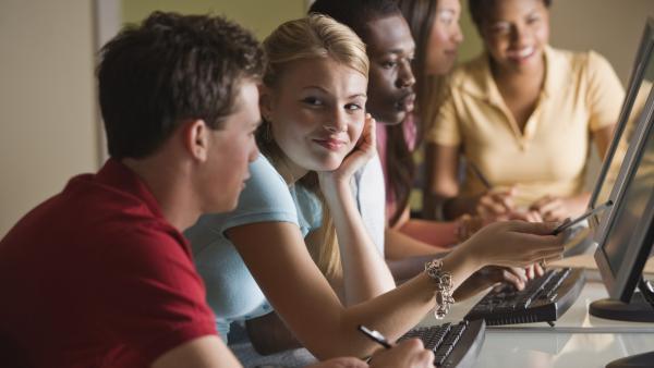 Jobmania et Home in Love s'associent pour l'aide au travail et au logement des jeunes