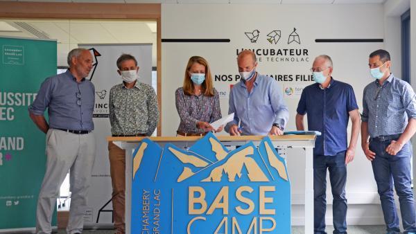 Les élus du bassin chambéry-Aix inaugurent le Base camp