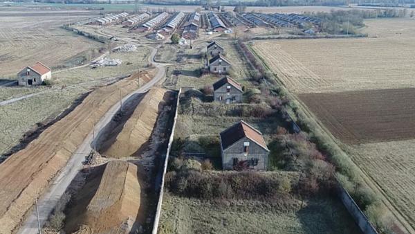Vue du chantier du camp militaire des Fromentaux www.brefeco