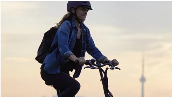 Decathlon expérimente un service de location de vélos au mois sans engagement pour ses utilisateurs.