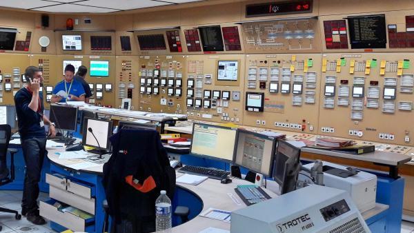 Salle de commande réacteur 1 Saint Alban