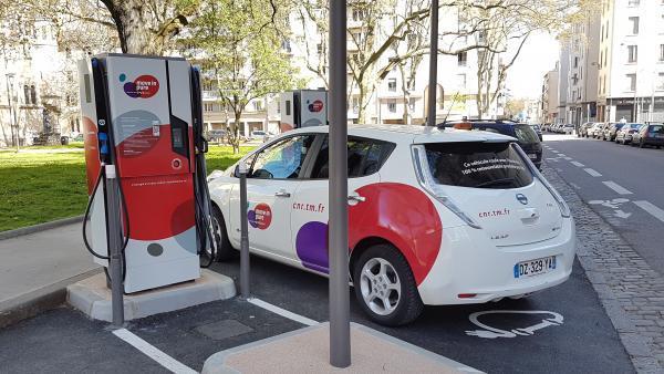 Véhicules électriques : Sodetrel et Demeter vont déployer 630 bornes de recharge à Lyon
