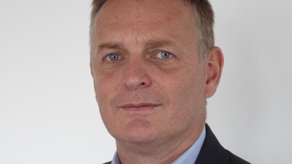 Pierre Saint-Girons, directeur général de NeoMedLight - bref eco