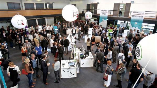 Start-up et investisseurs se rencontrent durant l'édition 2017 du Venture 5i