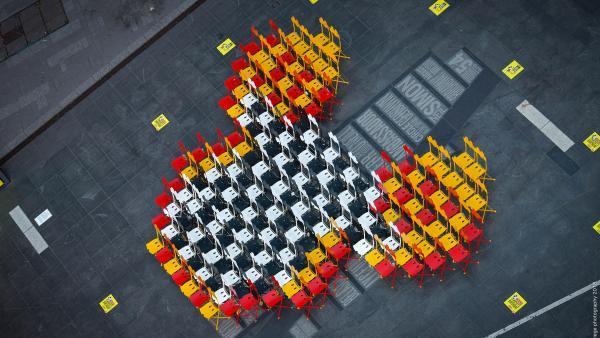 Deux cents chaises ont été installées dimanche dernier sur Time Square à New York.