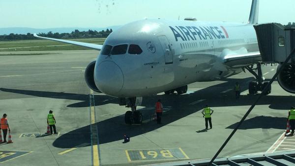Arrivée du Boeing 787, à Lyon Saint Exupéry