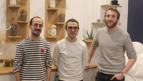 Alexandre Tepper, Aurélien Thiéchart-Dumonteil et Baptiste Derez (de gauche à droite) dans la boutique lyonnaise brefeco