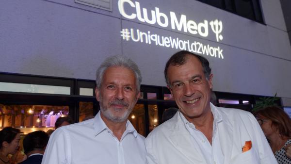 Henri Giscard d'Estaing, pdg du Club Med, et Patrick Calvet, dg des Villages Europe Afrique.