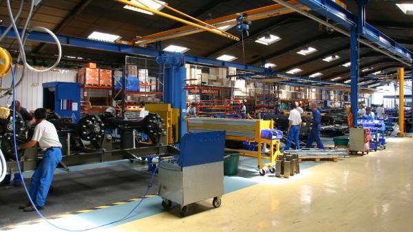 Une chaîne d'assemblage dans l'usine de Saint-Cyr-sur-Menthon.