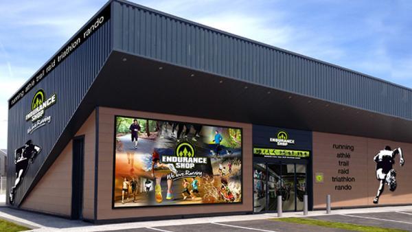 b755d3e1bae Endurance Shop compte un parc de soixante magasins en propre et en  franchise en France.