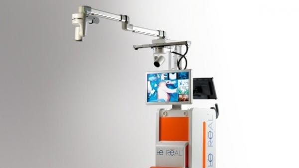 Le Real, premier studio vidéo mobile de bloc opératoire.