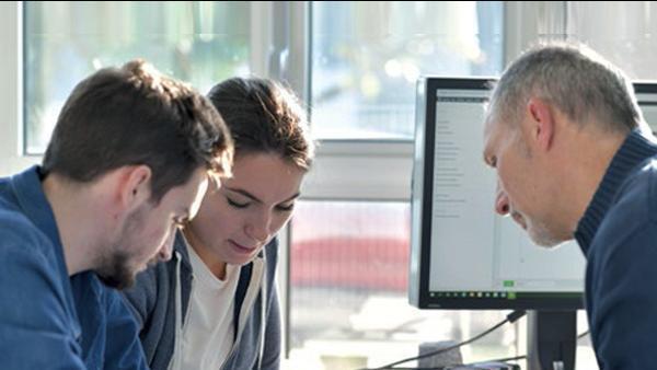 L'alternance, voie d'accès à l'emploi durable pour les jeunes