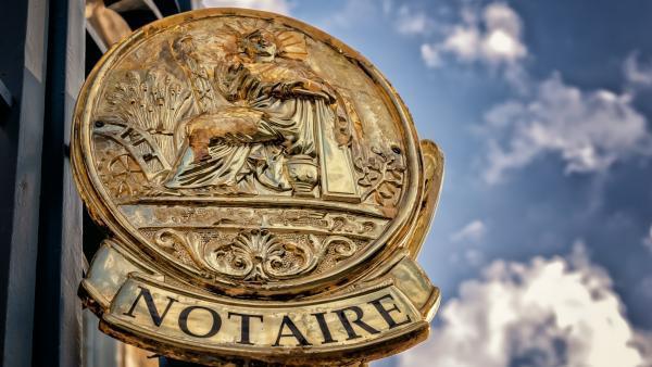 Implid acquiert une étude notariale